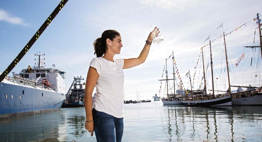 Bild Ny professor forskar om plast i havet